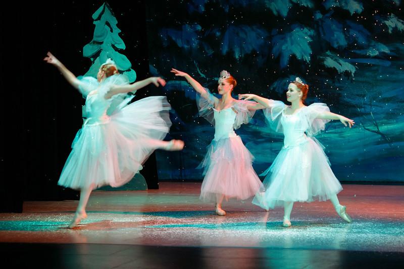 Snow Act 1 Fri eve-37