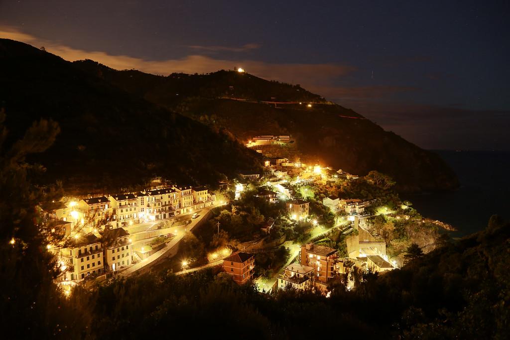 IMAGE: https://photos.smugmug.com/Lake-Como-and-Cinque-Terra/i-LLxQ7dV/0/XL/night%20shot1-XL.jpg