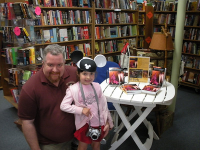 Book Signing - Center Harbor 014