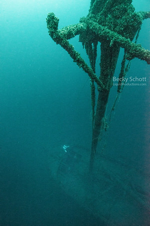 Erie mast looking down onto Typo