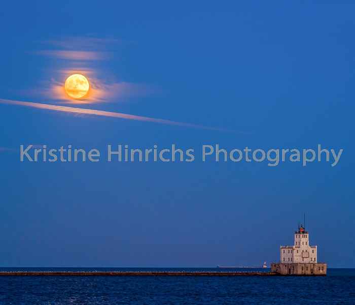 11.13.2016 Supermoon over the white lighthouse
