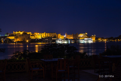 City Palace and the Taj Lake Palace dazzle at night  Exposed for 5 secs @67 mm ISO 100, Aperture f/5.6