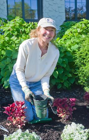 Garden Club Planting Day