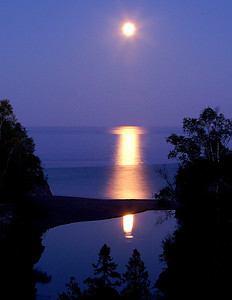 Lake Superior Moonrise 007
