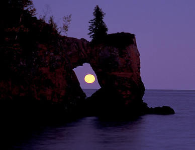 Lake Superior Moonrise 011