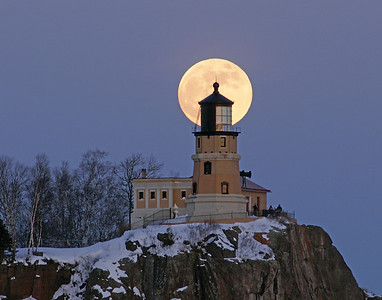 Split Rock Moonrise 2_PaulS