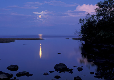 Lake Superior Moonrise 005