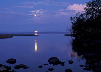 Lake Superior Moonrise 005