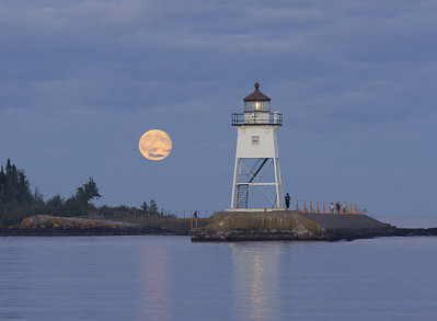 Moonrise Over Grand Marais 7_PSundberg