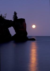Lake Superior Moonrise 012