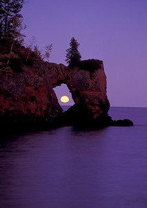 Lake Superior Moonrise 010
