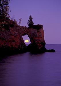 Lake Superior Moonrise 010
