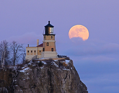 Split Rock Moonrise 3_PSundberg