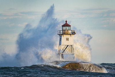 "SUPERIOR WAVES 01488  ""Southwest Slammer""  March 7, 2017 - Grand Marais, MN"