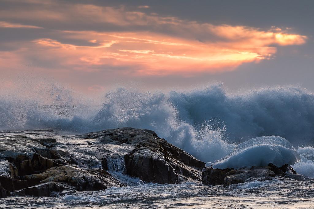 "SUPERIOR WAVES 6406<br /> <br /> ""Rough Sunset""<br /> <br /> Grand Marais, MN"