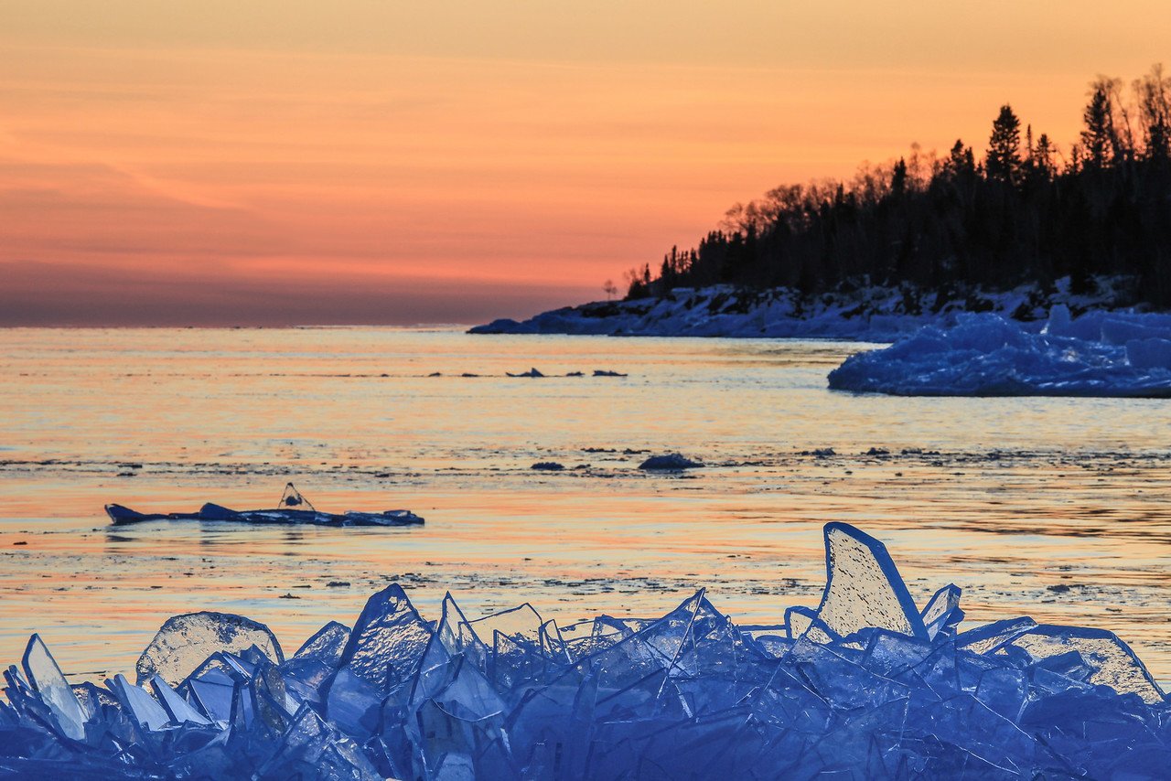 "SUPERIOR WINTER 0823<br /> <br /> ""Plate Ice Sunset"""