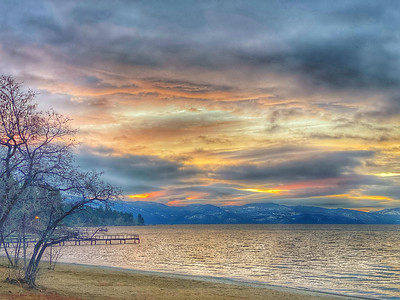 Sunrise on the beach of Lake Tahoe in Kings Beach