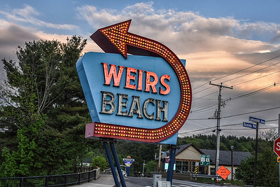 weirsbeachsign2