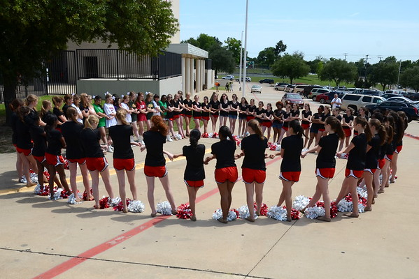 2016: Dettes Perform at the Red and White Game - May 14