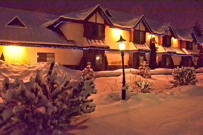 snowy-night-lodging