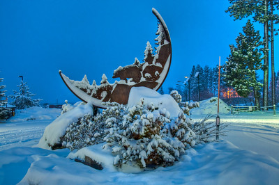 snowy-tahoe-sculpture