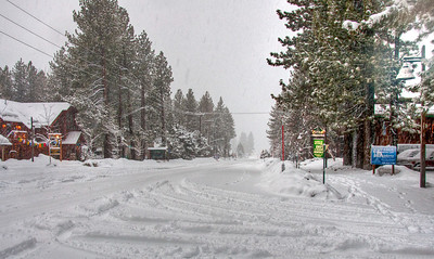 snowing-street-scene