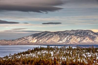 lake-mountain-panorama