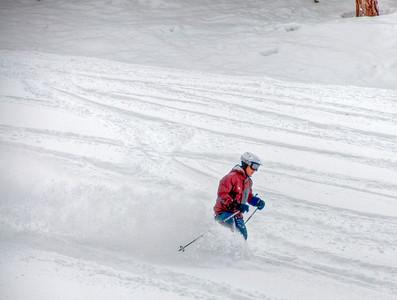 downhill-skier-11