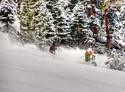 downhill-skiers-3