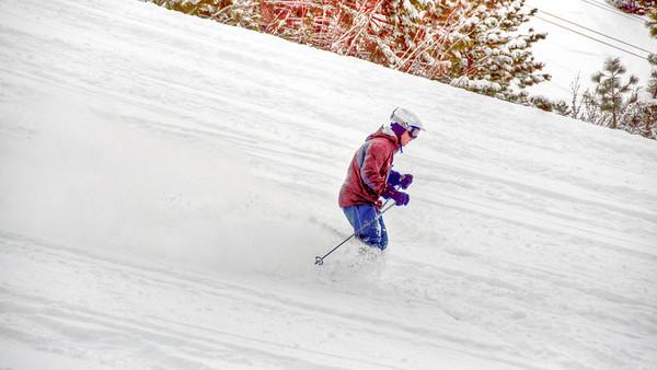 downhill-skier-12