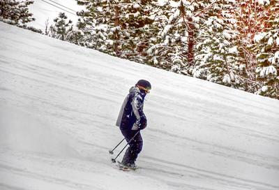 downhill-skier-4