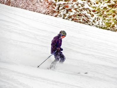 downhill-skier-9