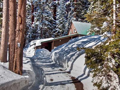 snowy-mountain-cabin-2