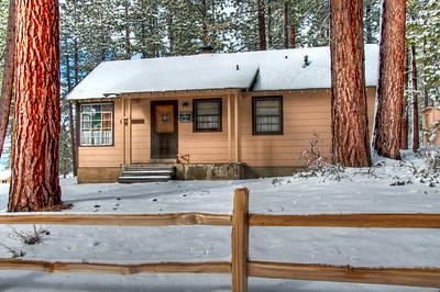 snowy-house-2