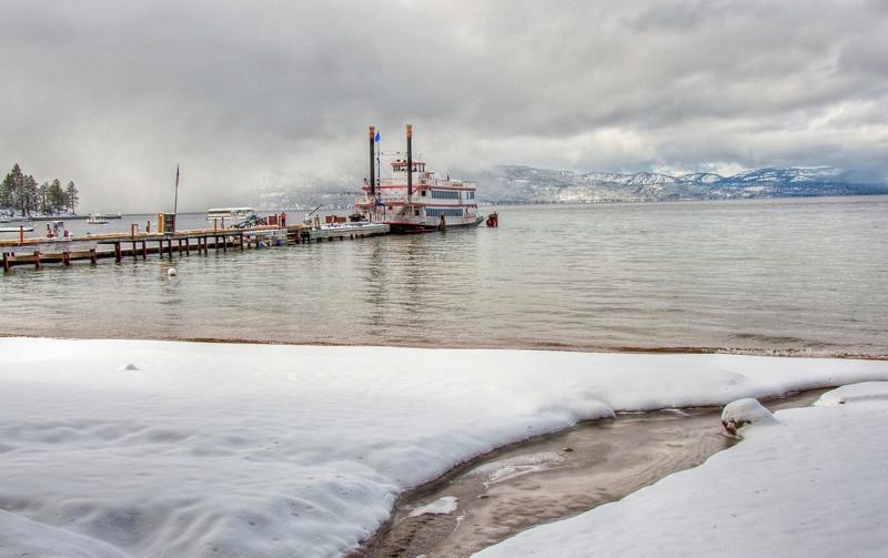 winter-lake-ferry-3