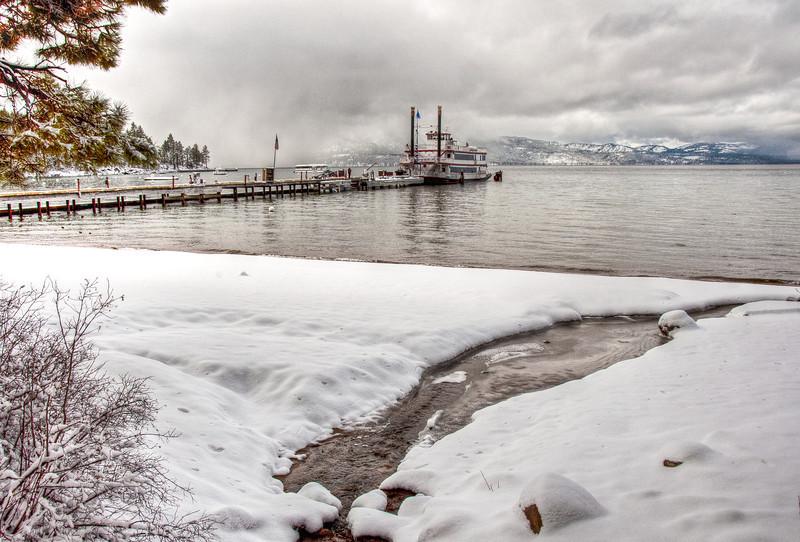 winter-lake-ferry-4
