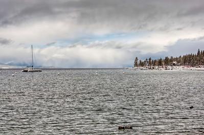 winter-boat-lake