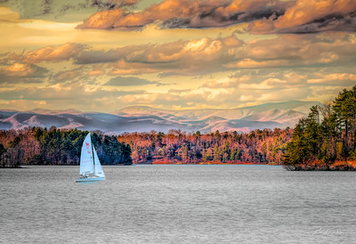 Sailing Home at Lake Keowee
