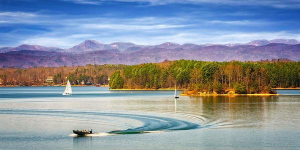 Lake Keowee Boats and Mountain View