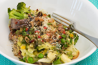 Friday dinner. Super spicy leftover lamb with cheesy creamy Brussels sprouts, cauliflower, broccoli, peas, corn and bird's eye chillies 💚