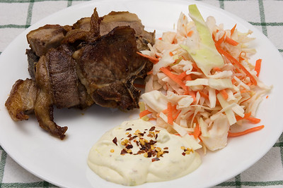 Lamb chops with coleslaw and wasabi sourcream