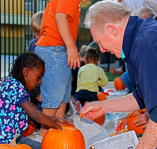 Pumpkin Carving, Garden Park Apts., October 28, 2009