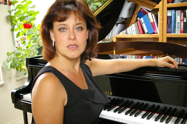 Lana Smith, piano teacher