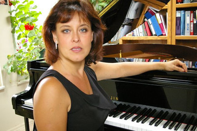 Lana Smith, piano teacher