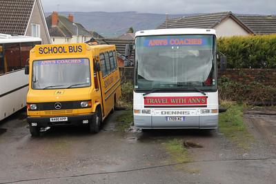 Anns Coaches Kirkintilloch 1709AC_N480KPP Depot Waterside Mar 14