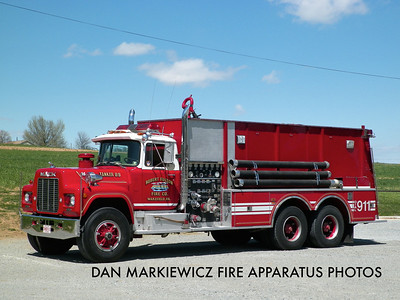 ROBERT FULTON FIRE CO. TANKER 89 1984 MACK/PIERCE TANKER