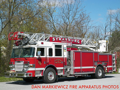 STRASBURG FIRE CO. TRUCK 5-10 2008 PIERCE AERIAL LADDER QUINT