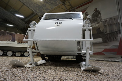 Bombardier B2