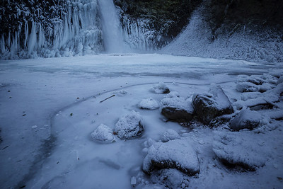 Horsetail Falls in ice and snow