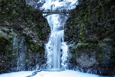 Lower Multnomah Falls in Winter